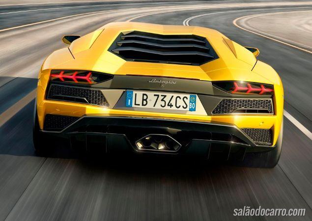 Aventador apresenta sua nova geração - Foto 4