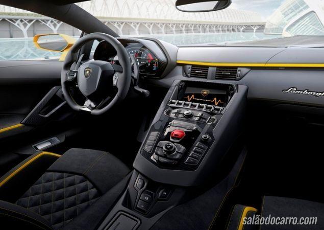 Aventador apresenta sua nova geração - Foto 5