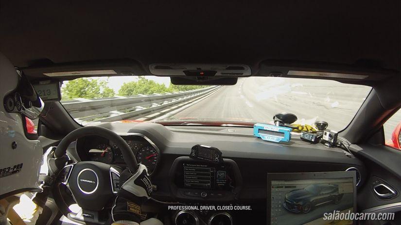 Camaro ZL1 consegue chegar aos 325 km/h em teste