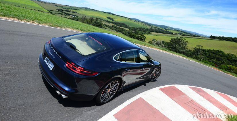 Porsche Panamera muda na segunda geração e fica mais esportivo.