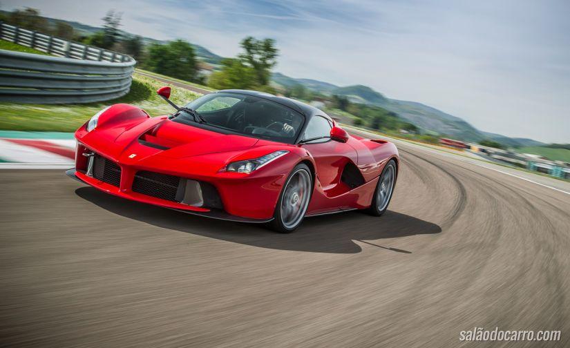Dono de Ferrari adultera veículo para vender mais caro