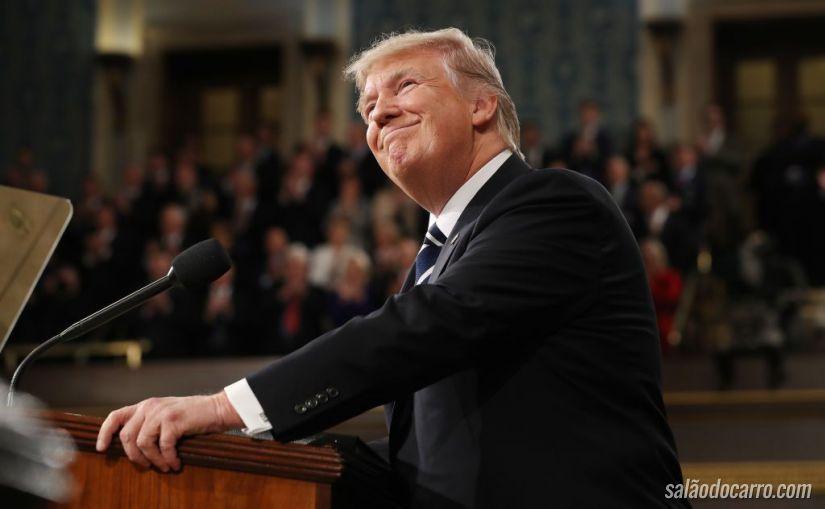 Trump afirma que vai revisar regras de emissões de poluentes