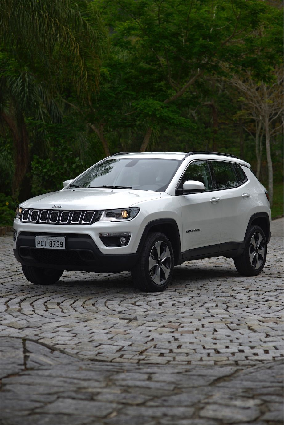 jeep compass longitude 4x4 testes sal o do carro. Black Bedroom Furniture Sets. Home Design Ideas