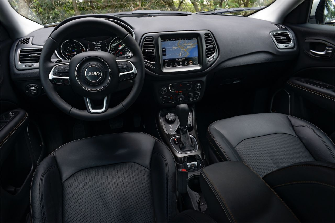 jeep compass longitude 4x4 testes sal o do carro. Black Bedroom Furniture Sets. Home Design Ideas