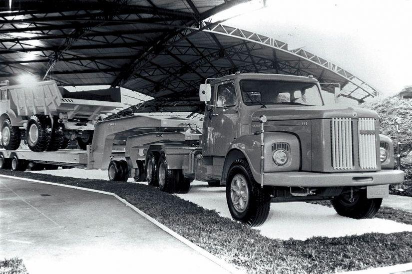 """LT 111 """"jacaré"""" (1976)"""