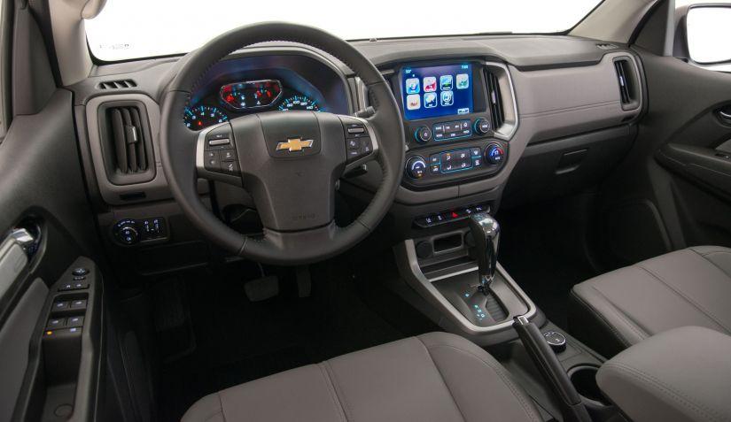 S10 terá versão flex com câmbio automático