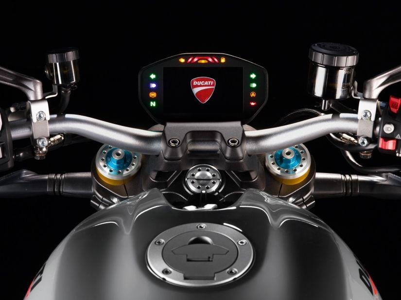 Ducati anuncia chegada da Monster 1200 S no Brasil