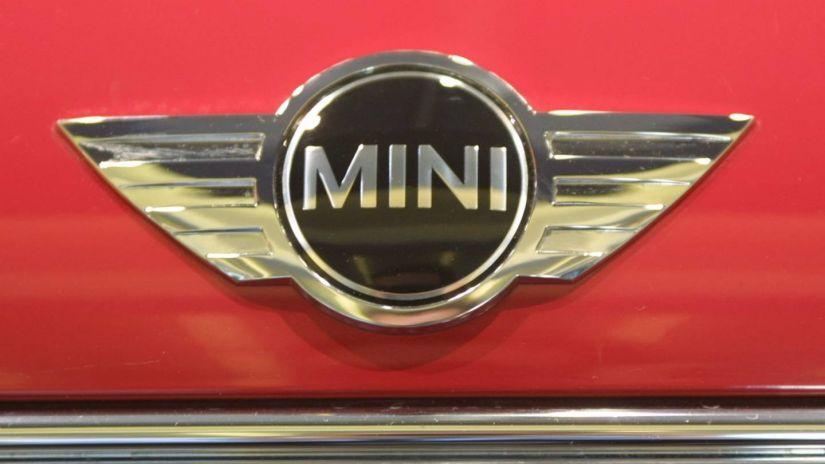 Estudantes poderão comprar versão do Mini Cooper com desconto