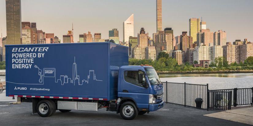 Daimler apresenta primeiros modelos de caminhões elétricos
