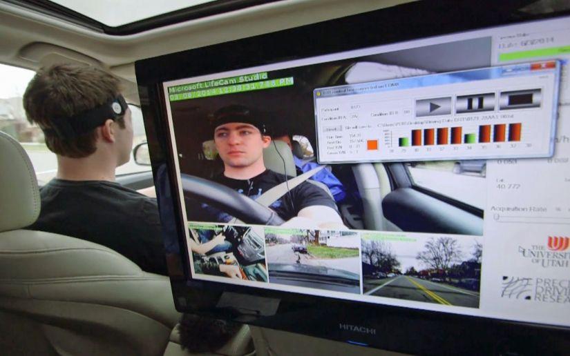 Estudo indica que sistemas multimídia distraem muito os motoristas