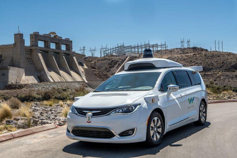 Califórnia libera circulação de veículos elétricos sem motorista