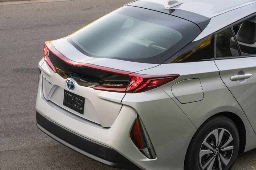 Toyota vai lançar modelo híbrido que utiliza etanol no Brasil