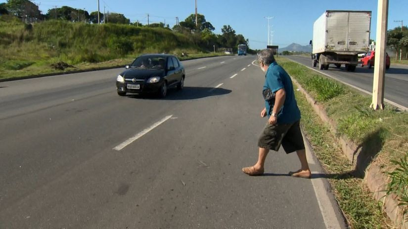 Ciclistas e pedestres também poderão começar a ser multados