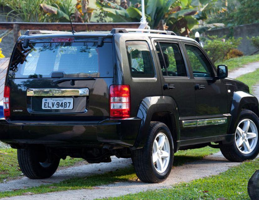 Jeep convoca Renegade e Cherokee para recall
