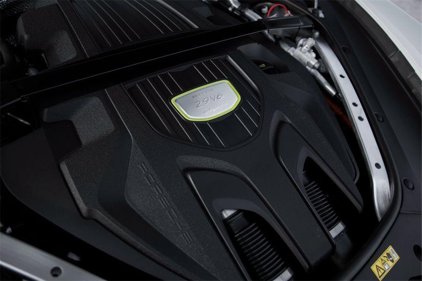 Porsche Panamera 4 E-Hybrid