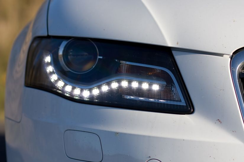 Argentina aprova lei que obriga luzes diurnas em todos os carros