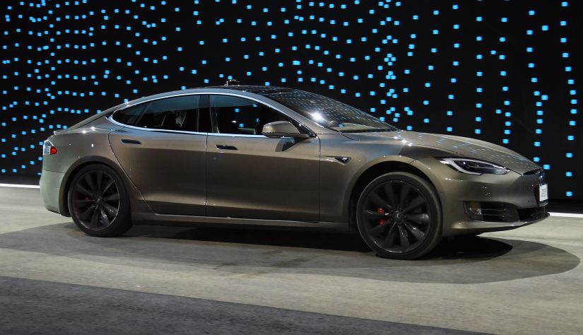 Tesla anuncia mais um adiamento na meta de produção do Model 3