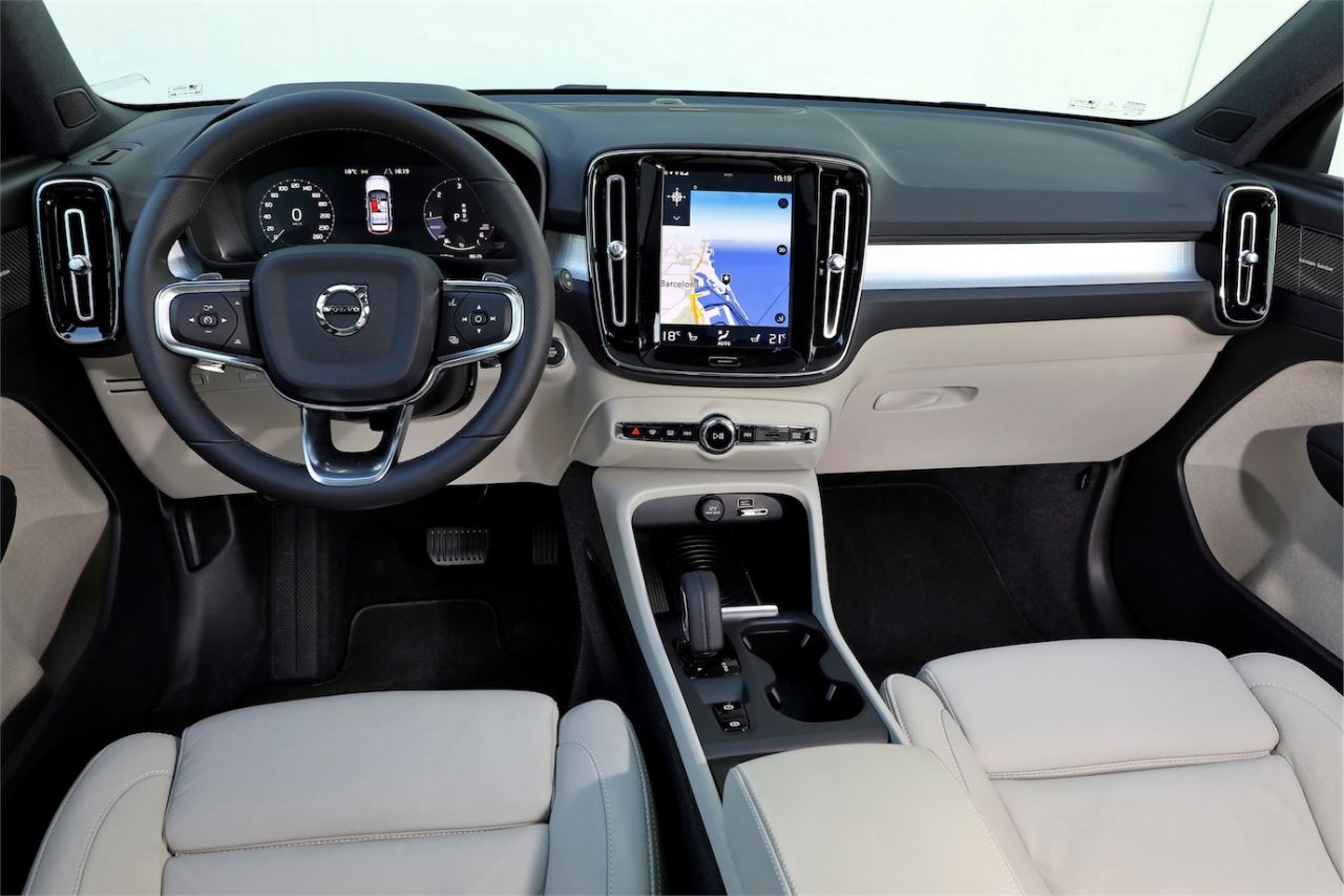 volvo xc40 direto da it lia testes sal o do carro. Black Bedroom Furniture Sets. Home Design Ideas