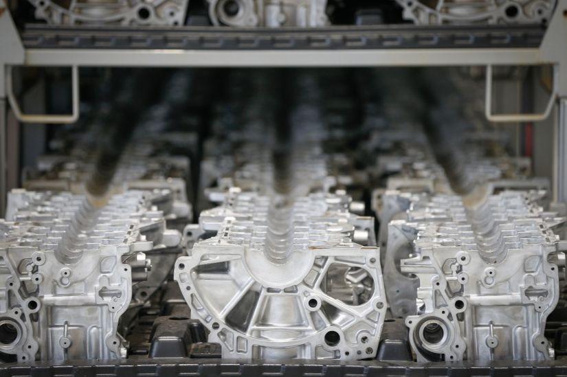 Renault inaugura fábrica de componentes no Paraná