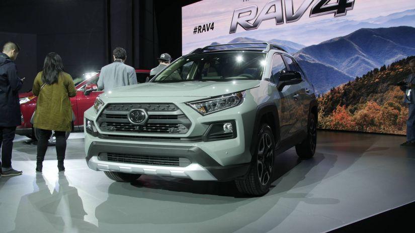 Toyota revela novo RAV4 com mecânica mais moderna