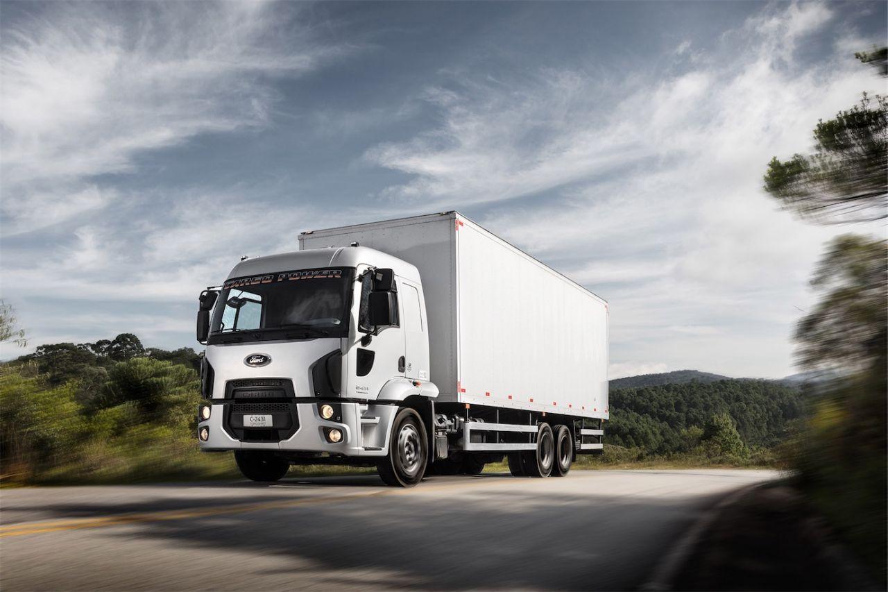 ford lan u00e7a sua linha cargo power 2019 com novo motor - caminh u00f5es