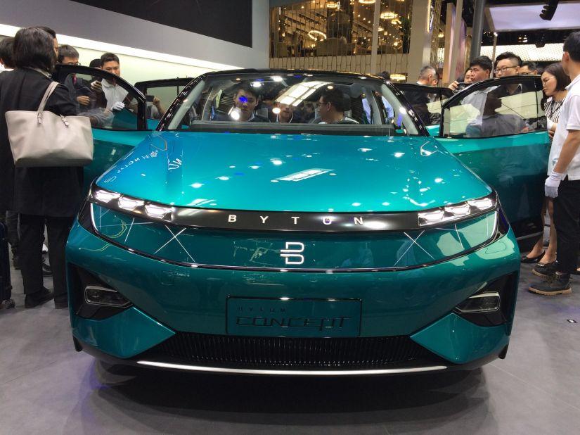"""Salão de Pequim tem carro com """"telão"""" de 49 polegadas"""
