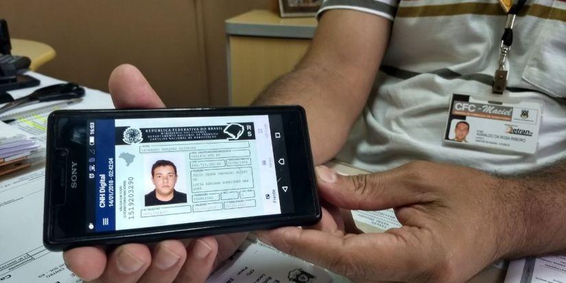 Detran começa a oferecer CNH Digital no RJ