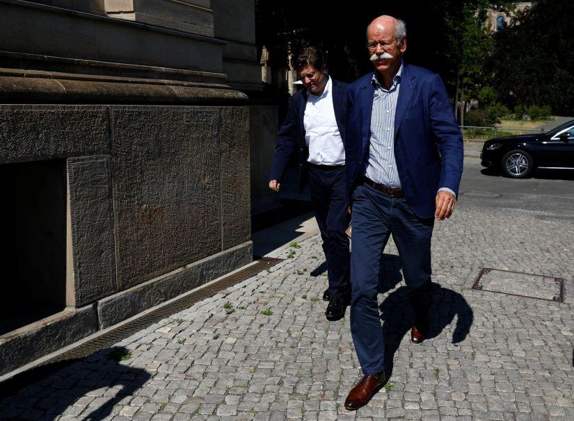 Presidente da Daimler, Dieter Zetsche, chega para encontro com ministro dos Transportes da Alemanha.