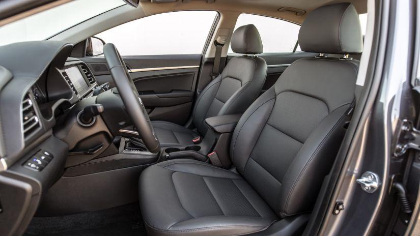 Hyundai divulga imagens do Elantra reestilizado