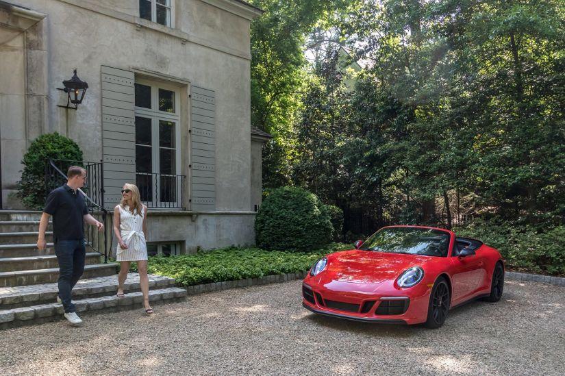 Porsche anuncia serviço de aluguel de carros de luxo