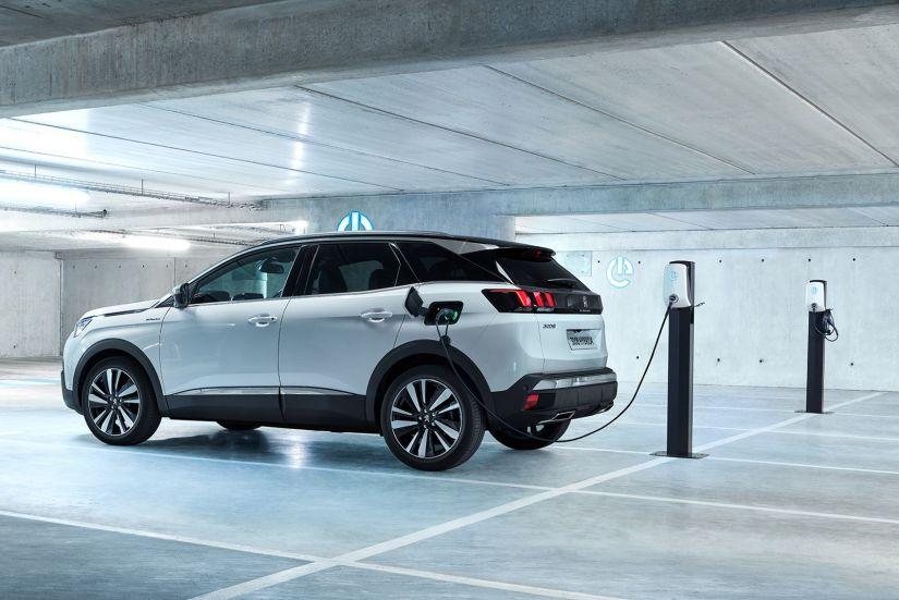 Peugeot lança versão híbrida do 3008 na Europa