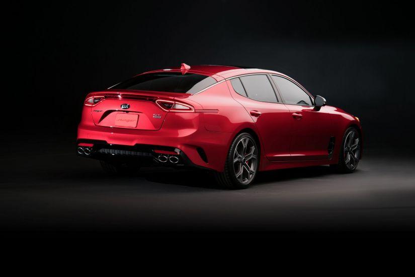 Kia lança Stinger GT no Brasil por R$ 350 mil