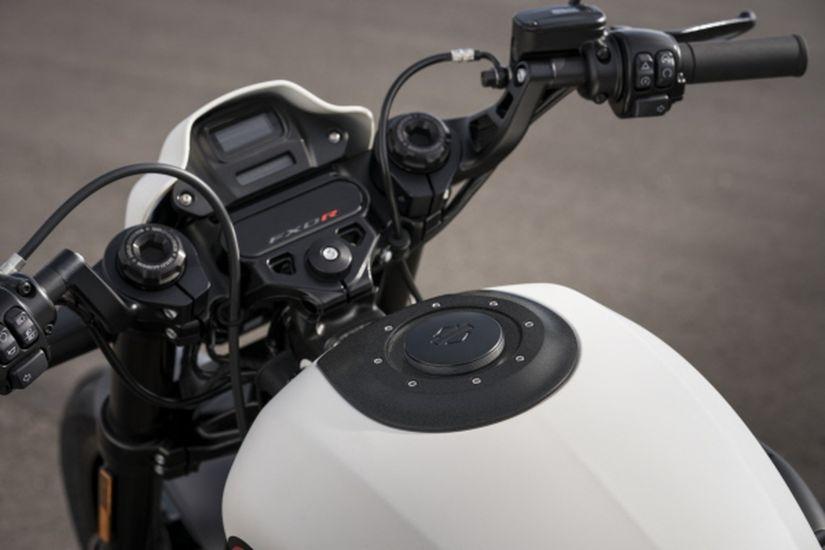 Harley-Davidson lança FXDR no Brasil