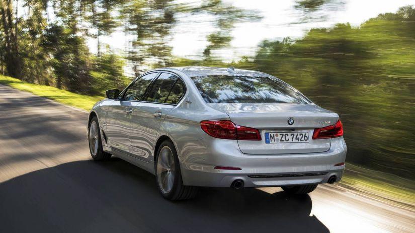 BMW lançará versão híbrida do Série 5 no Brasil