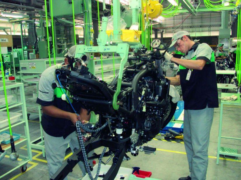 Produção de motos cresce e pode fechar o ano com 1 milhão de unidades