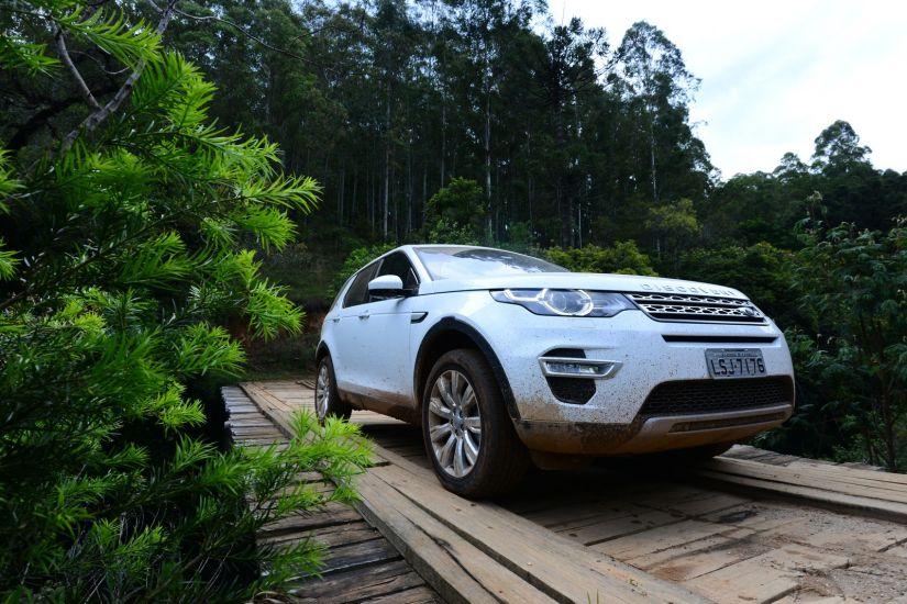 Modelos Evoque e Discovery Sport ganham motor 2.0 flex
