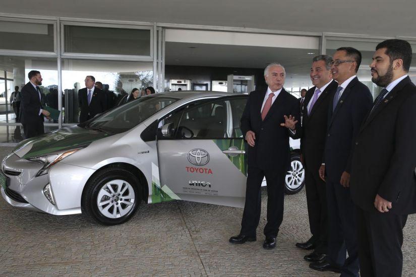 Toyota lança tecnologia nacional para primeiro carro hibrido flex