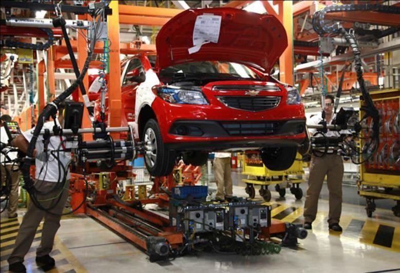 GM começa processo de demissão em massa nos EUA