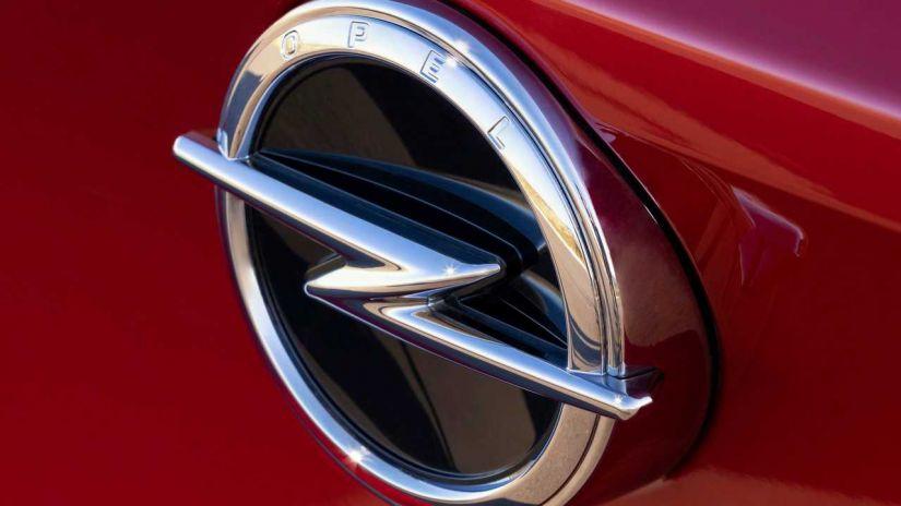 Astra vai ganhar nova versão em 2021 com motores híbridos