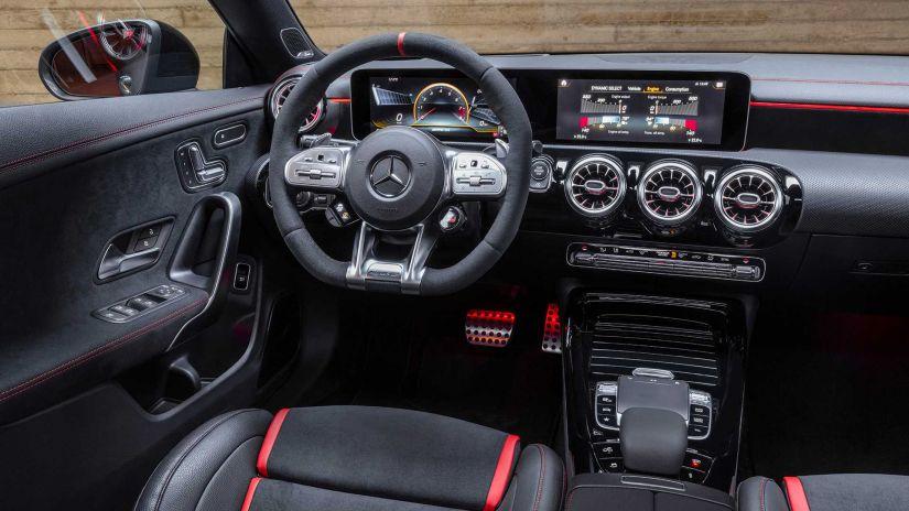 Mercedes-AMG lança perua esportiva CLA 45 Shooting Brake - Foto 1