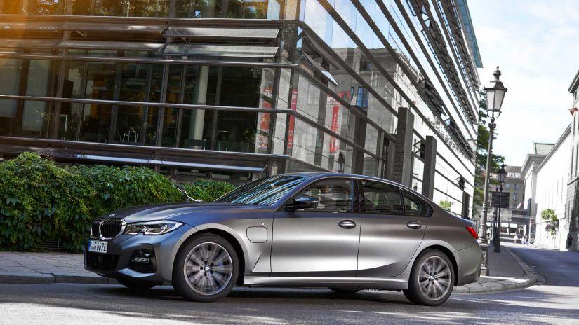 BMW confirma versão híbrida do para o Série 3 2020 - Foto 3