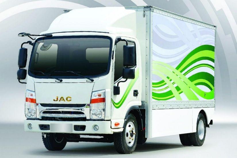 JAC lança quatro novos modelos de carros elétricos