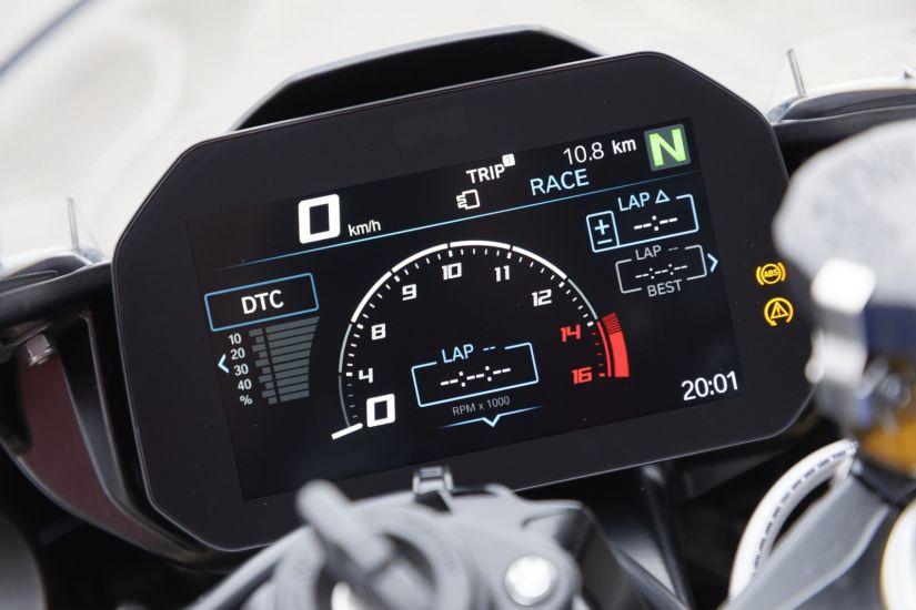 BMW anuncia preços da nova geração da moto S 1000 RR no Brasil