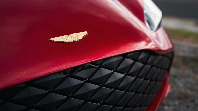 Aston Martin apresenta DBS GT Zagato com 760 cavalos e acabamento de ouro - Foto 1
