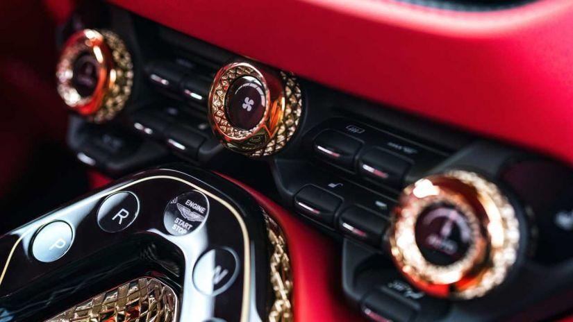 Aston Martin apresenta DBS GT Zagato com 760 cavalos e acabamento de ouro - Foto 2