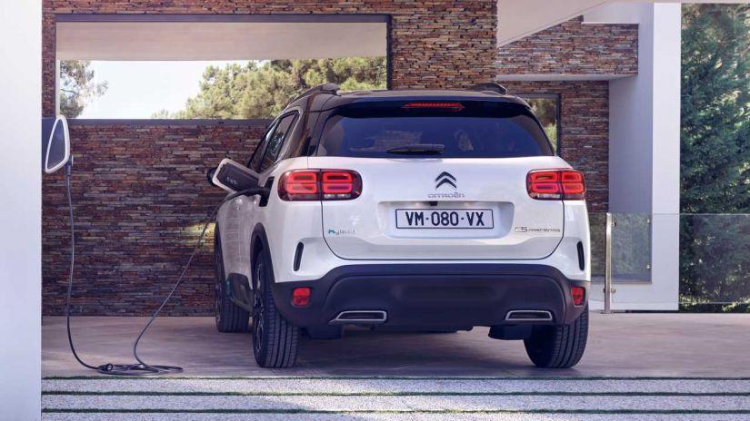 Citroën C5 Aircross ganha versão híbrida no Brasil