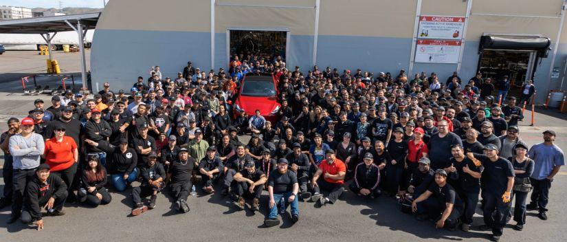 Tesla comemora marca de 1 milhão de carros elétricos fabricados