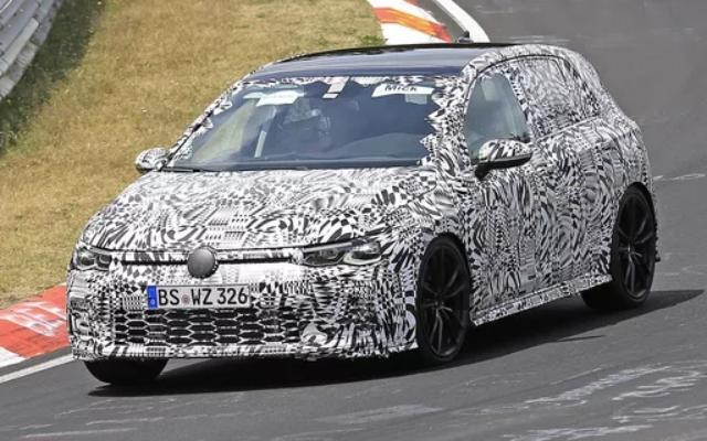 """Executivo da Volkswagen afirma que Golf R será um """"esportivo de verdade"""""""