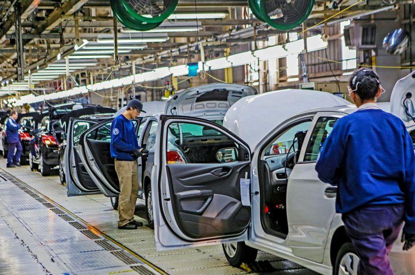33 fábricas já confirmaram paralisação de atividades no Brasil