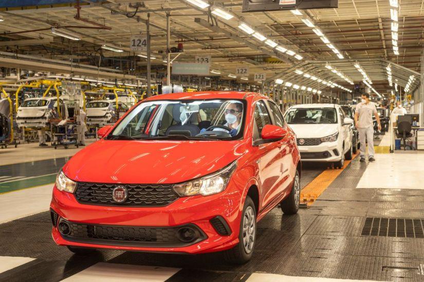 Fiat e Jeep anunciam retomada da produção no Brasil